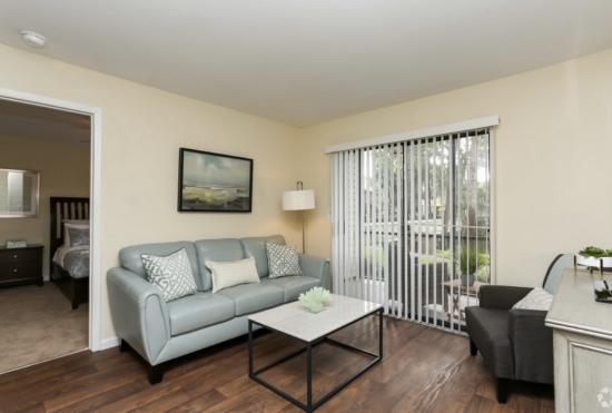 Model Living Room Cape Cod, 1BR,1BA_650 SF - Breakers Apartments